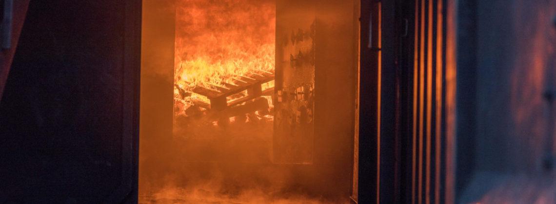 Heißausbildung im Brandcontainer