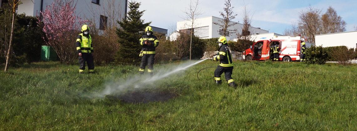 Flurbrand auf einer Wiese in Unterhart