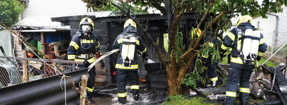 Brand Holzschuppen im Ortszentrum von Feldkirchen