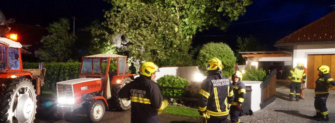 Sturmeinsatz in Mühldorf: Baum auf Stromleitung